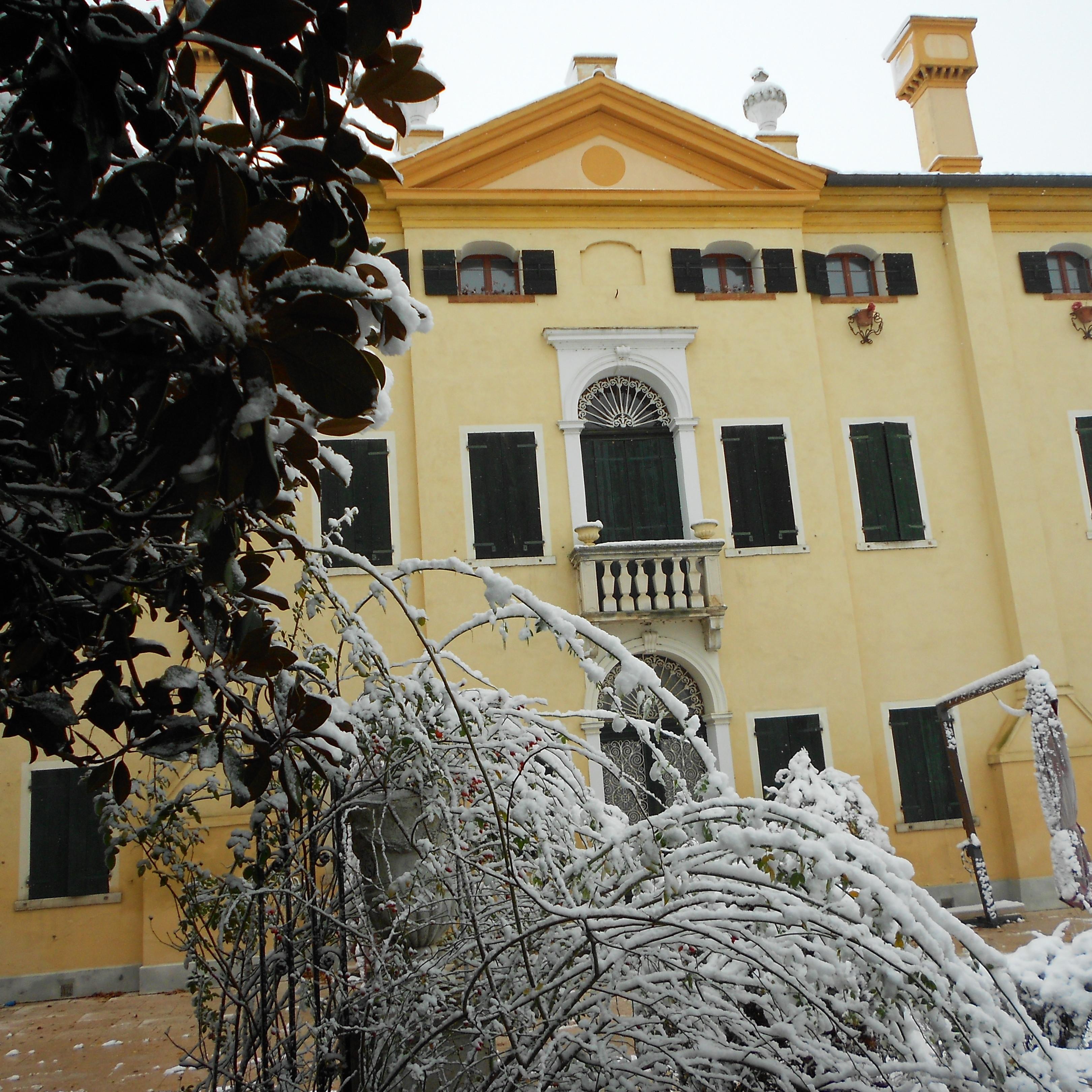 Villa Selmi tel 391 488 16 88 White Planning Mantova